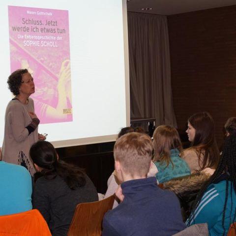 Maren Gottschalk: Wie schwer ein Menschenleben wiegt. Sophie Scholl. Eine Biografie
